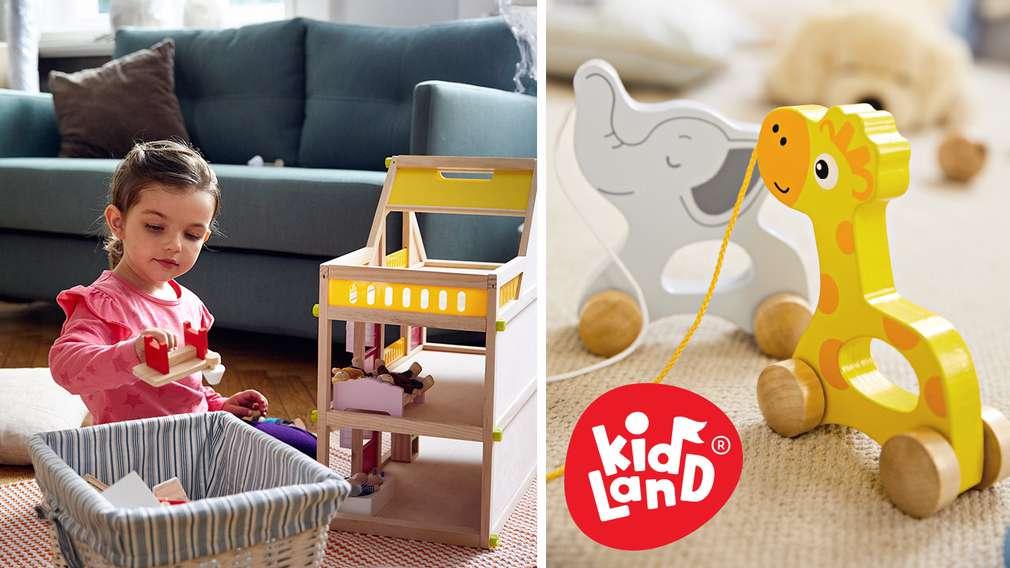 Изображение на момиченце, което си играе с играчки Kidland