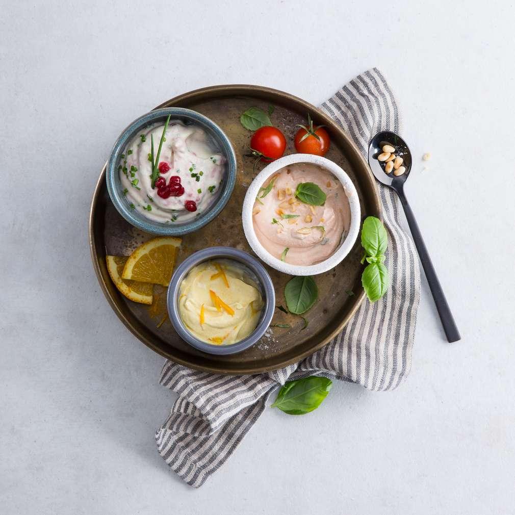 Zobrazit Tři druhy jogurtového dipu receptů