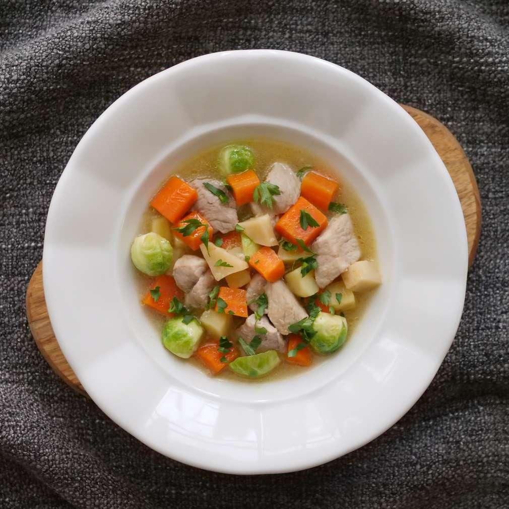 Zobrazit Telecí eintopf se zeleninou receptů