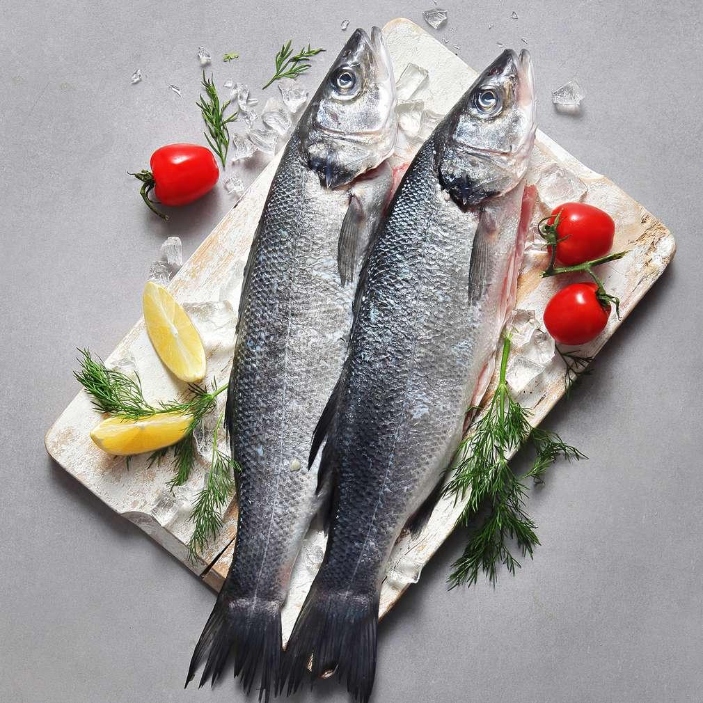 Zobrazit Mořský vlk s omáčkou z limety a grilovanou  cuketou receptů