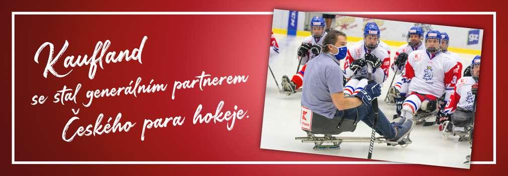 Jaromír Jágr a para hokejisté na ledě
