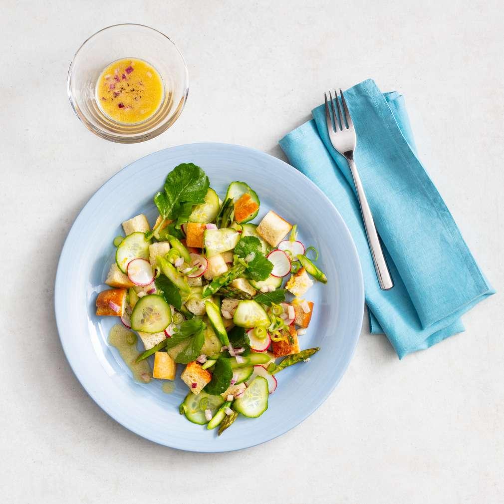 Zobrazit Ředkvičkový salát s krutony receptů
