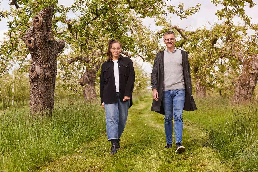 Anna Schunck und Jürgen Schartschinsky auf dem Bio Obsthof Münch im Alten Land