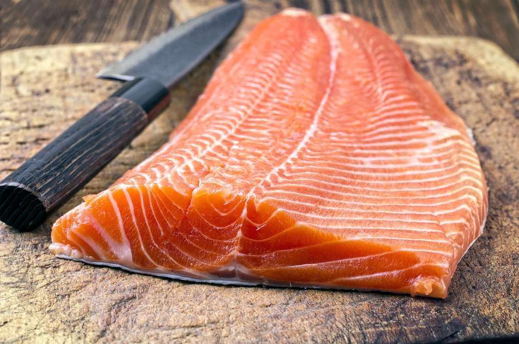 Richtig Fisch filetieren: So geht's den Gräten an den Kragen