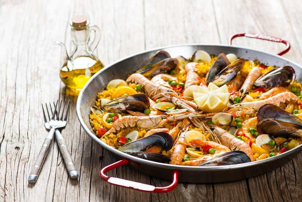 Krabben essen, Calamari genießen: Meeresfrüchte