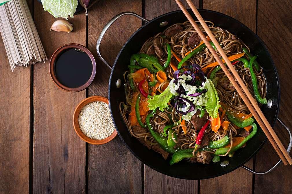 Wok-Gerichte: So gelingen Speisen aus Vietnam, Thailand und China