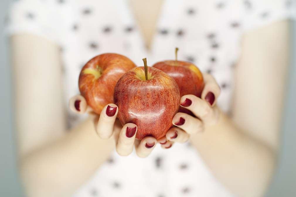Iss dich schön! Mit der Ernährung die Haut zum Strahlen bringen