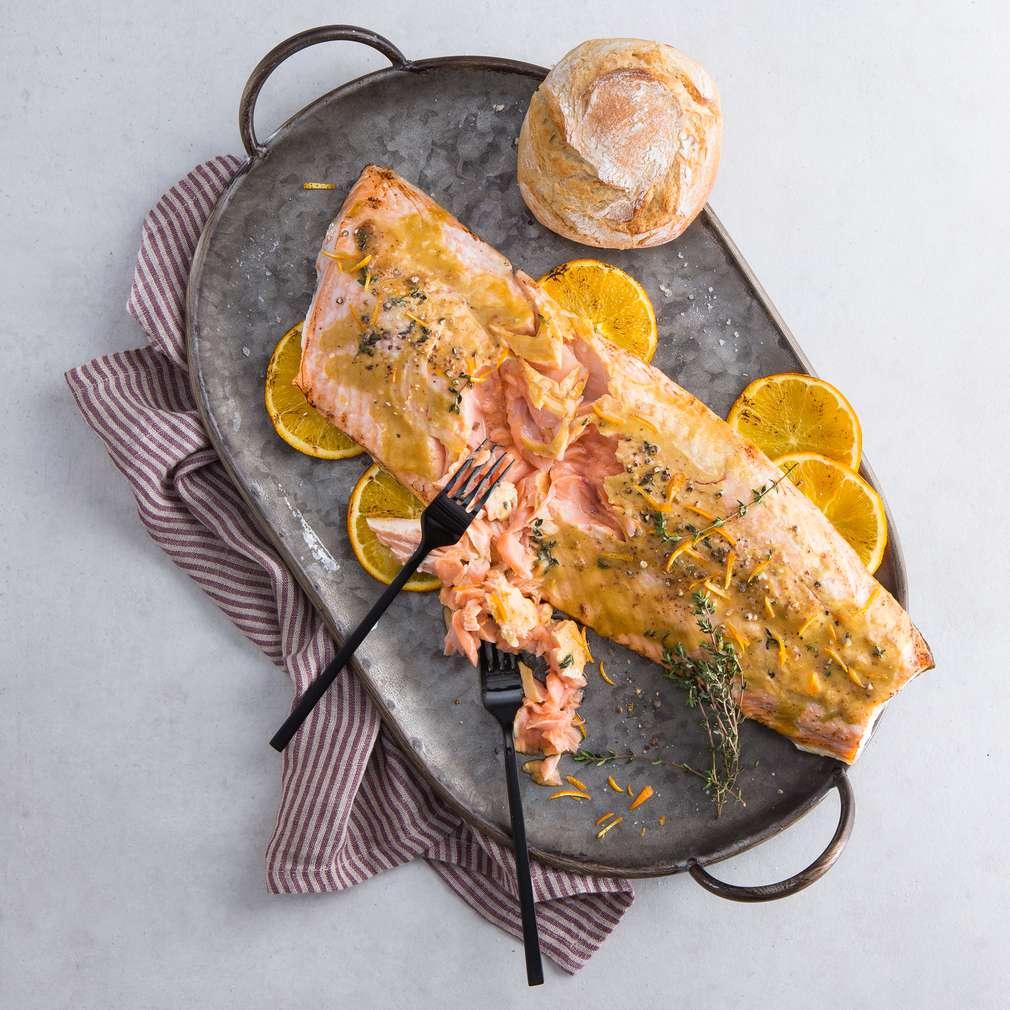 Abbildung des Rezepts Gezupfter Lachs mit Honig und Orange