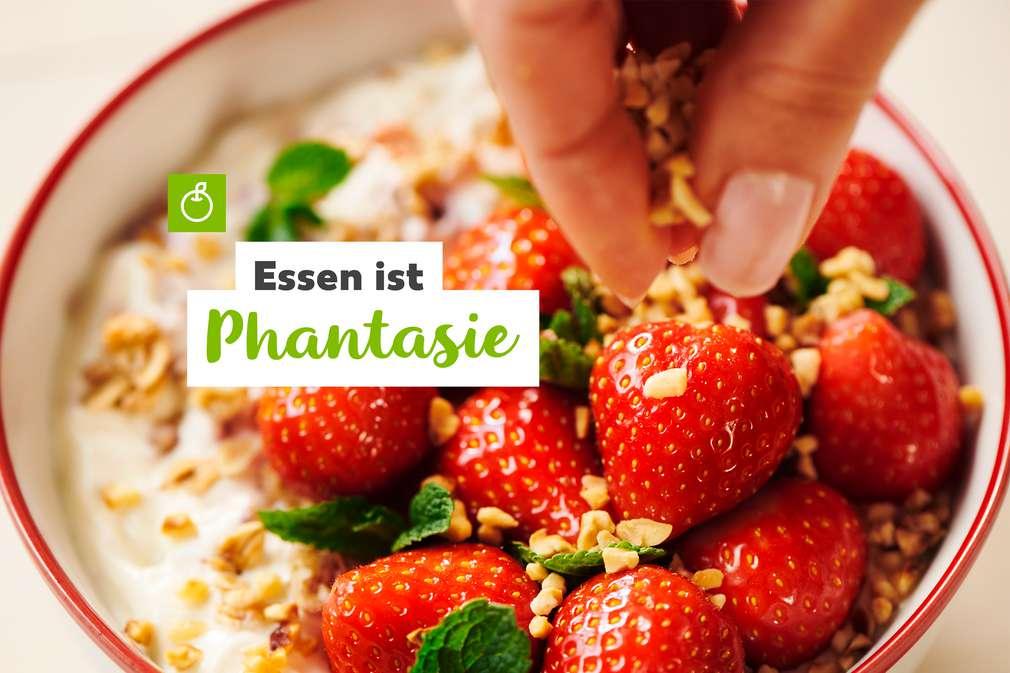 Essen ist Phantasie: Erdbeersalat mit Erdnuss