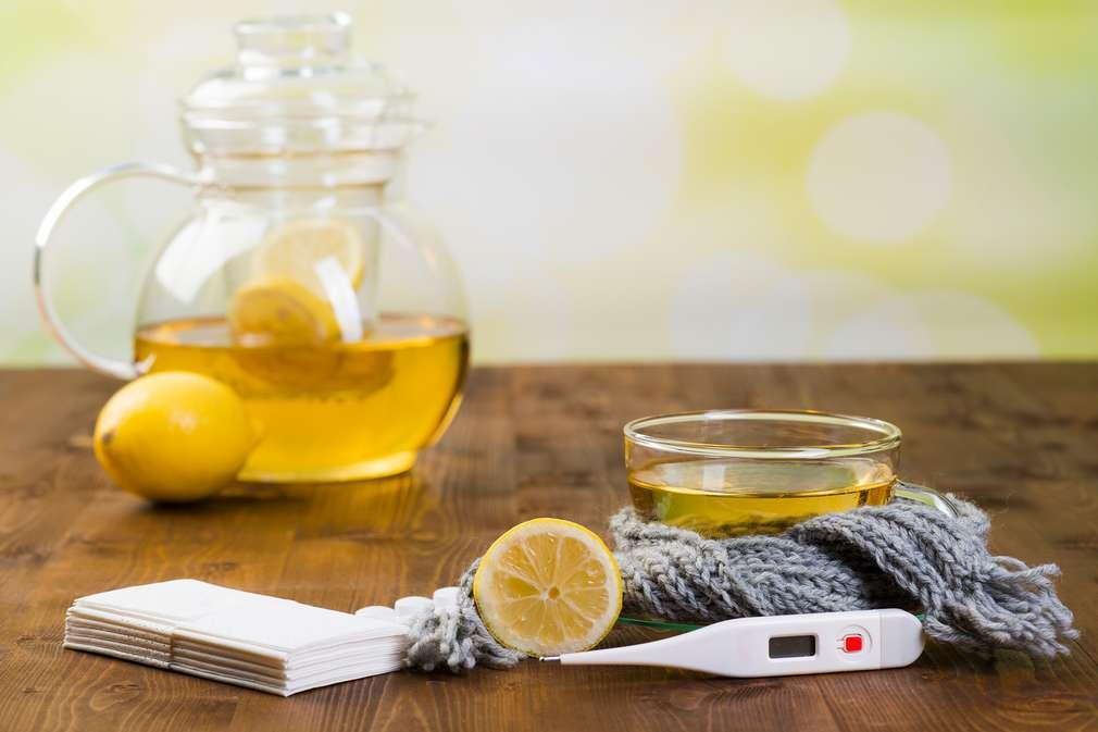 Tee und Fieberthermometer