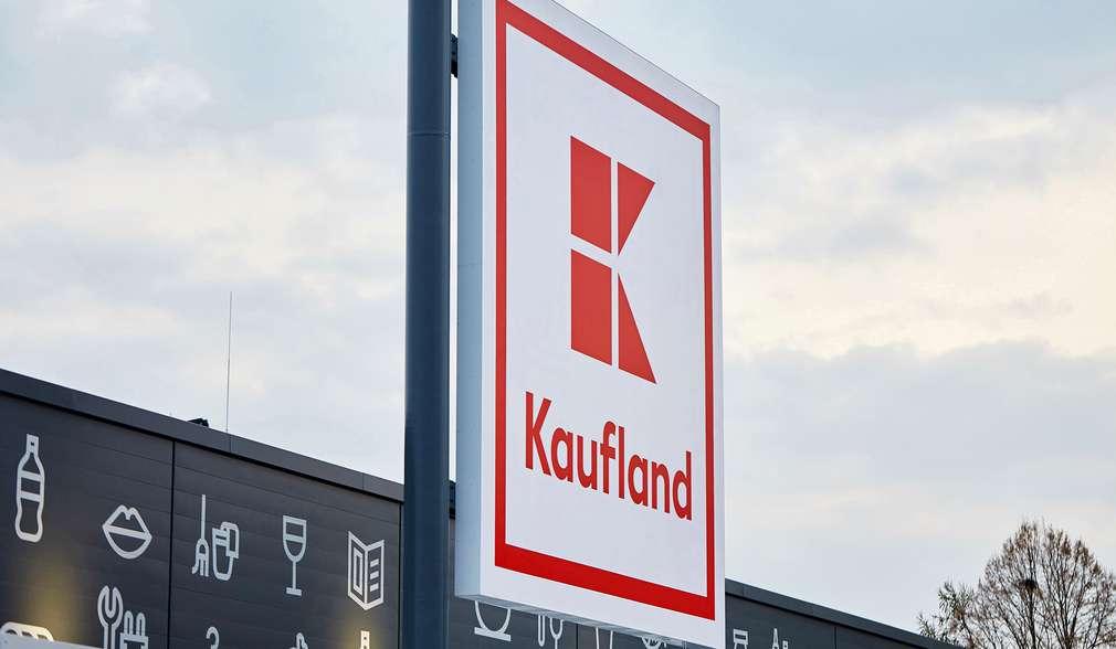 Kaufland-Filiale mit Logo