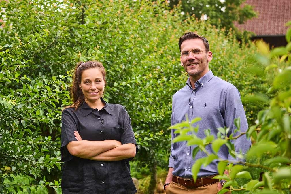 Links: Nachhaltigkeitsexpertin Anna Schunck; Rechts: Robert Pudelko, Leiter Einkauf Nachhaltigkeit bei Kaufland