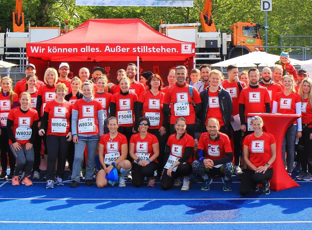 Gruppenbild von Kaufland-Mitarbeitern nach dem Trollinger-Marathon