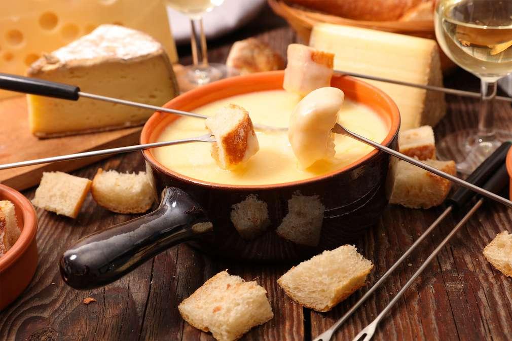 So gelingt ein echtes Schweizer Käsefondue