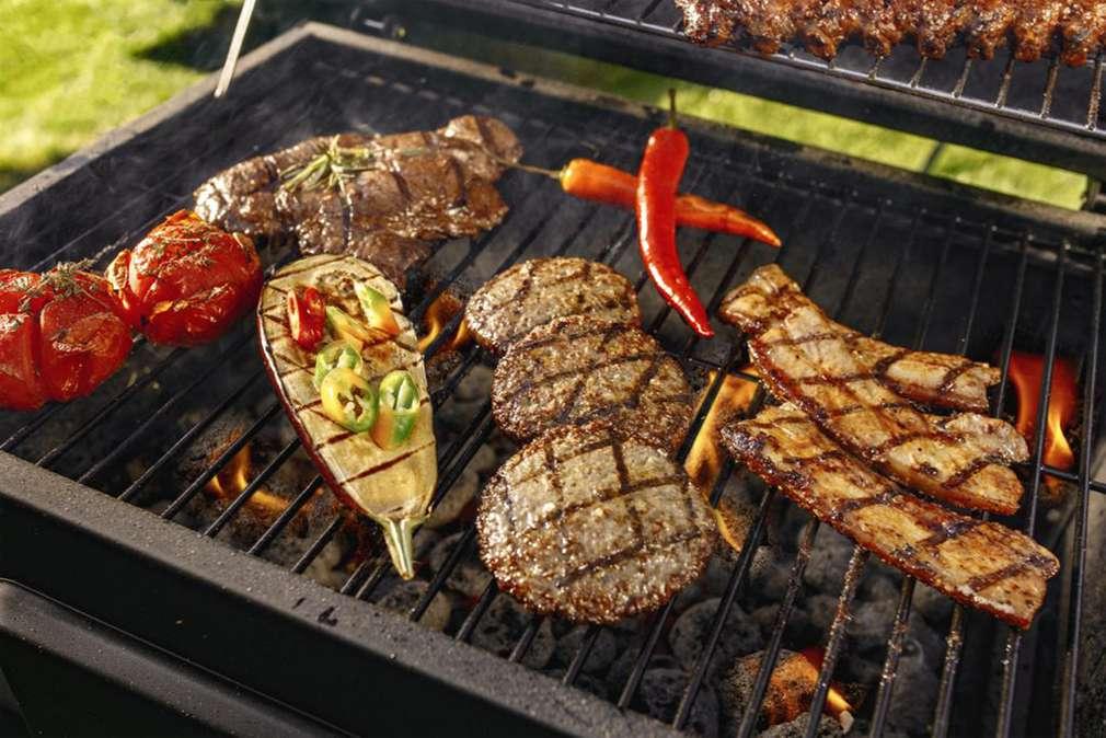Feuer und Flamme fürs Fleisch: Grilltipps vom Fleisch-Experten
