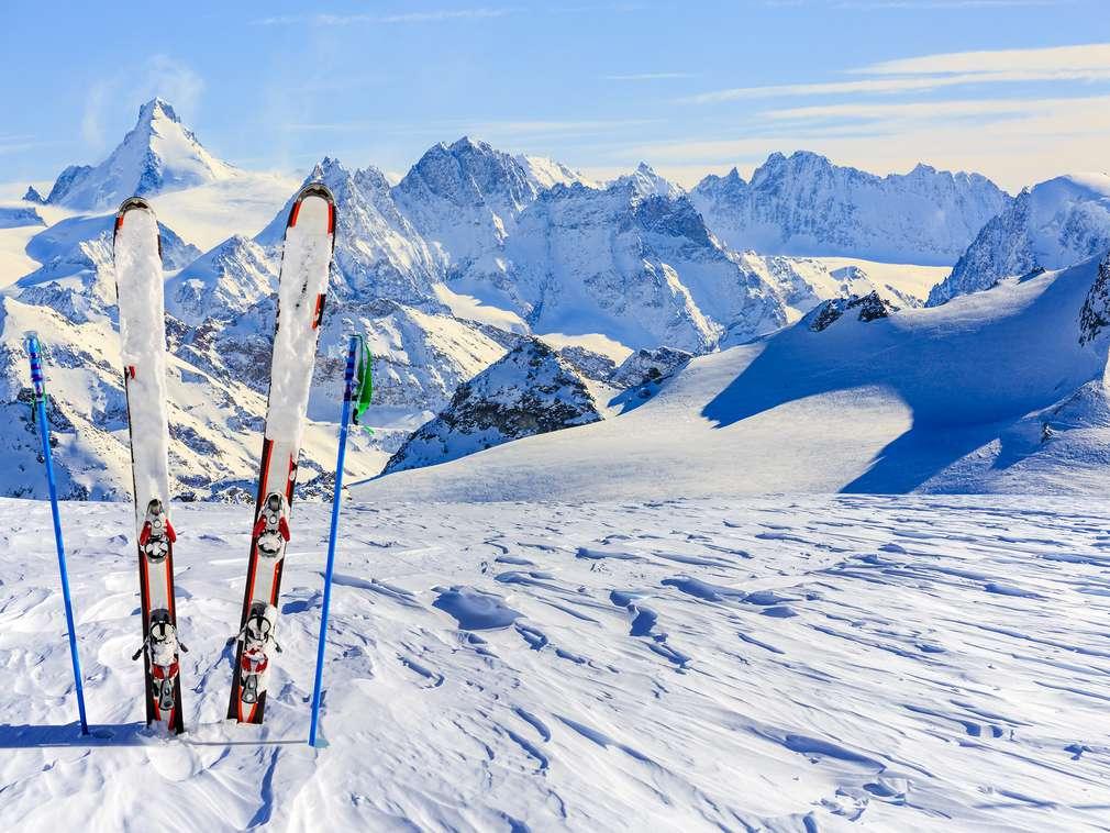 Fit für die Abfahrt: Das solltet ihr beim Skifahren essen