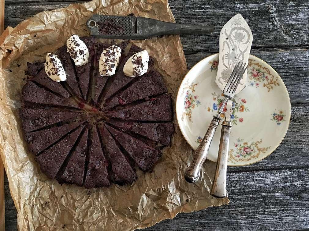 Zu Tisch mit Hol(l)a die Kochfee: Brownie Cake Schwarzwälder Kirsch