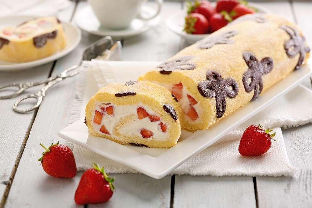 Erdbeer_Biskuitrolle