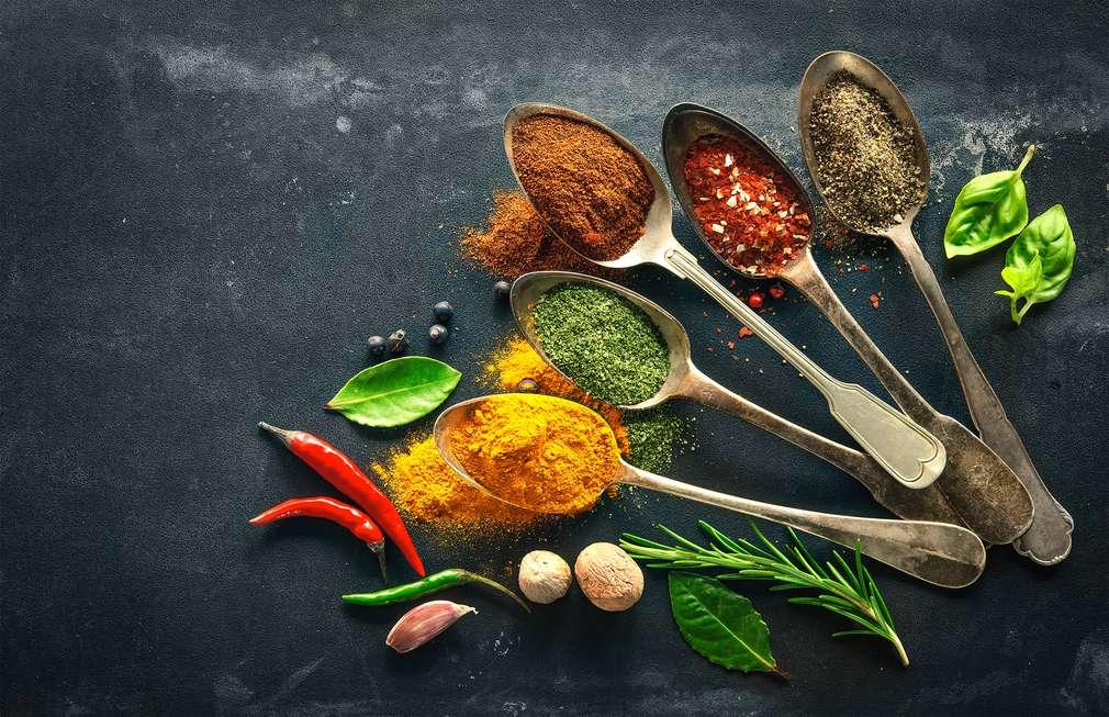 Kochen ohne Salz: Die besten Alternativen zum Würzen