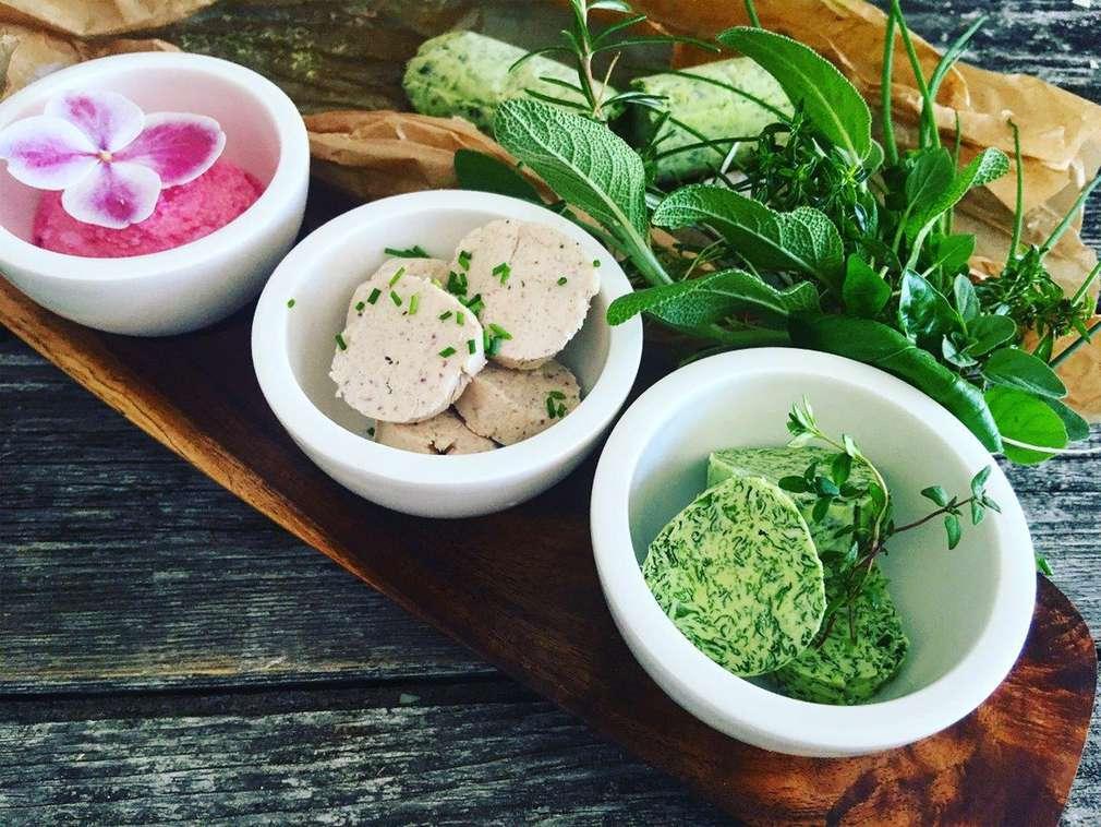 Zu Tisch mit Ho(l)la die Kochfee: Grillen de Luxe: Köstliche Low-Carb-Beilagen