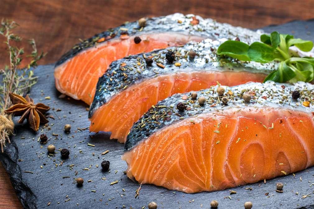 Fettkiller Lachs: Warum seine Kalorien die Pfunde purzeln lassen