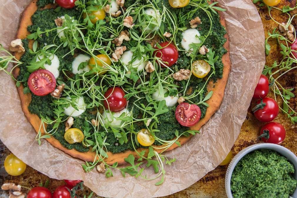 Zu Tisch mit den Foodistas: Süßkartoffelpizza mit Rucola-Pesto