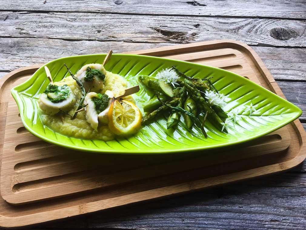 Zu Tisch mit Hol(l)a die Kochfee: Schollenröllchen mit Bärlauch in Prosecco-Zitronen-Soße