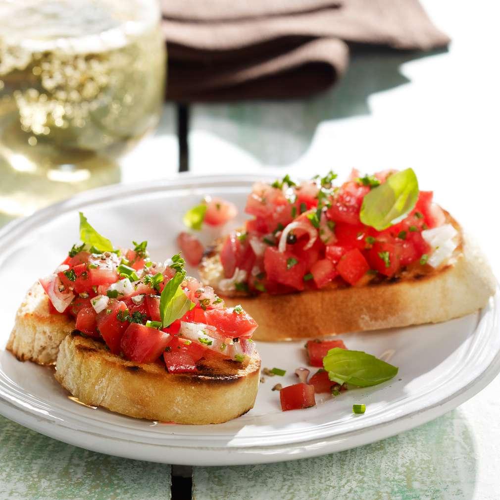 Fotografija recepta Bruschette s rajčicom i bosiljkom