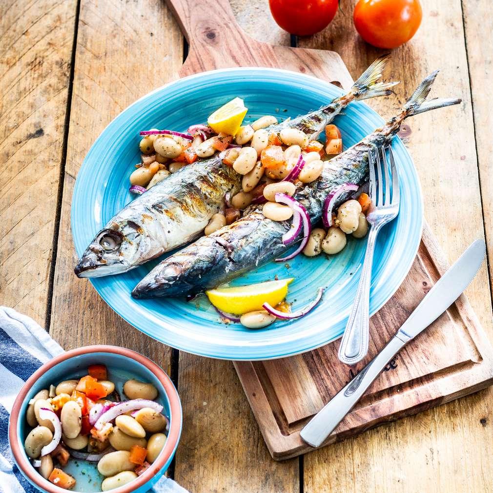 Fotografija recepta Skuša s grčkom salatom od graha