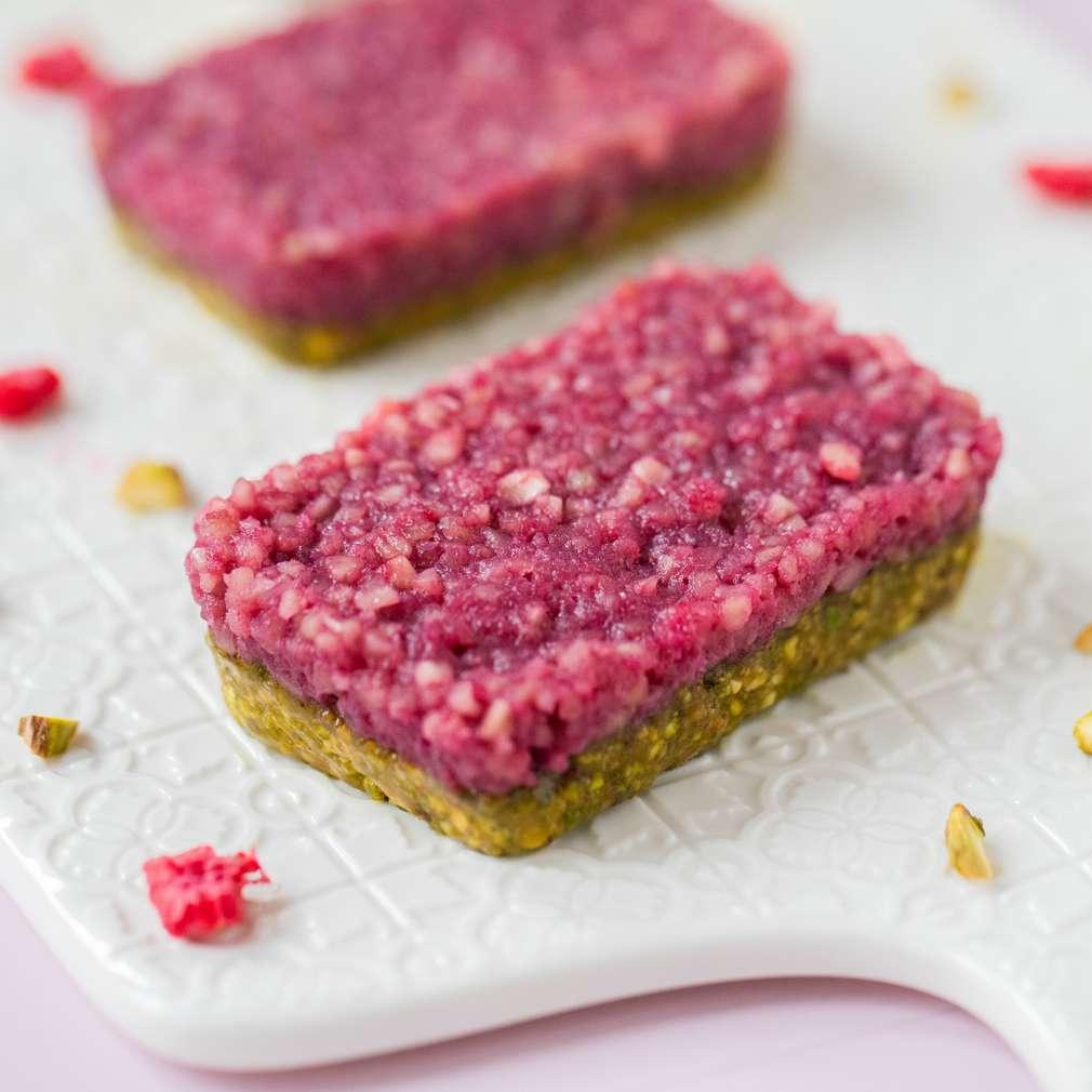 Fotografija recepta Energetske pločice s malinama i pistacijama