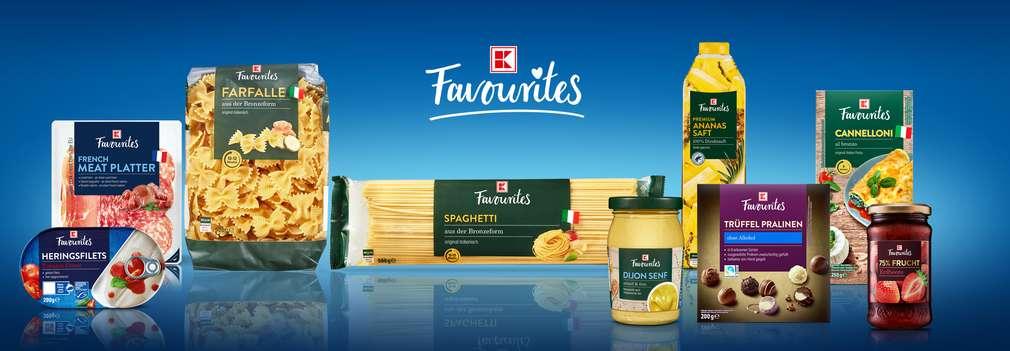 Verschiedene K-Favourites Produkte und Schriftzug K-Favourites macht jeden Tag zum Genuss.