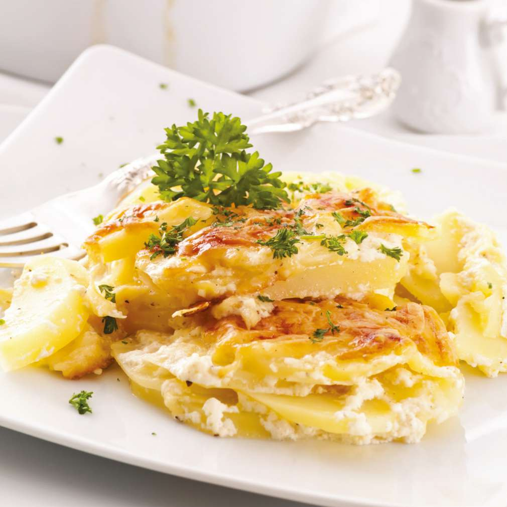 Fotografija recepta Zapečeni krumpir s kozjim sirom i češnjakom
