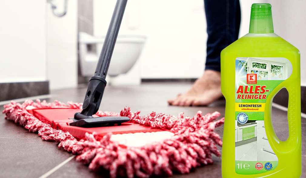 Mop i środki czyszczące