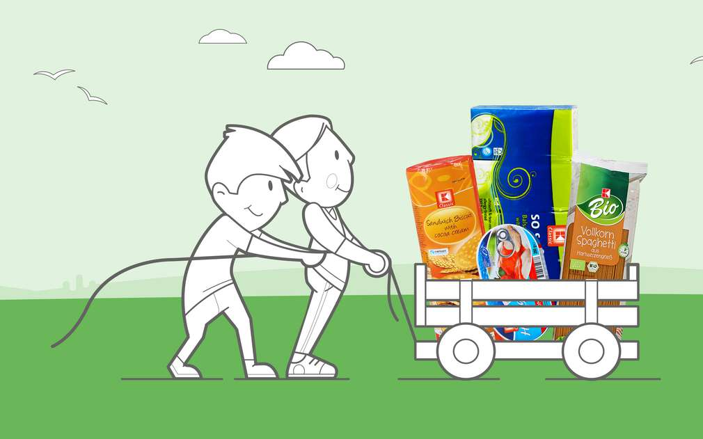 Illustration: Zwei Männer ziehen einen Wagen mit Kaufland-Produkten