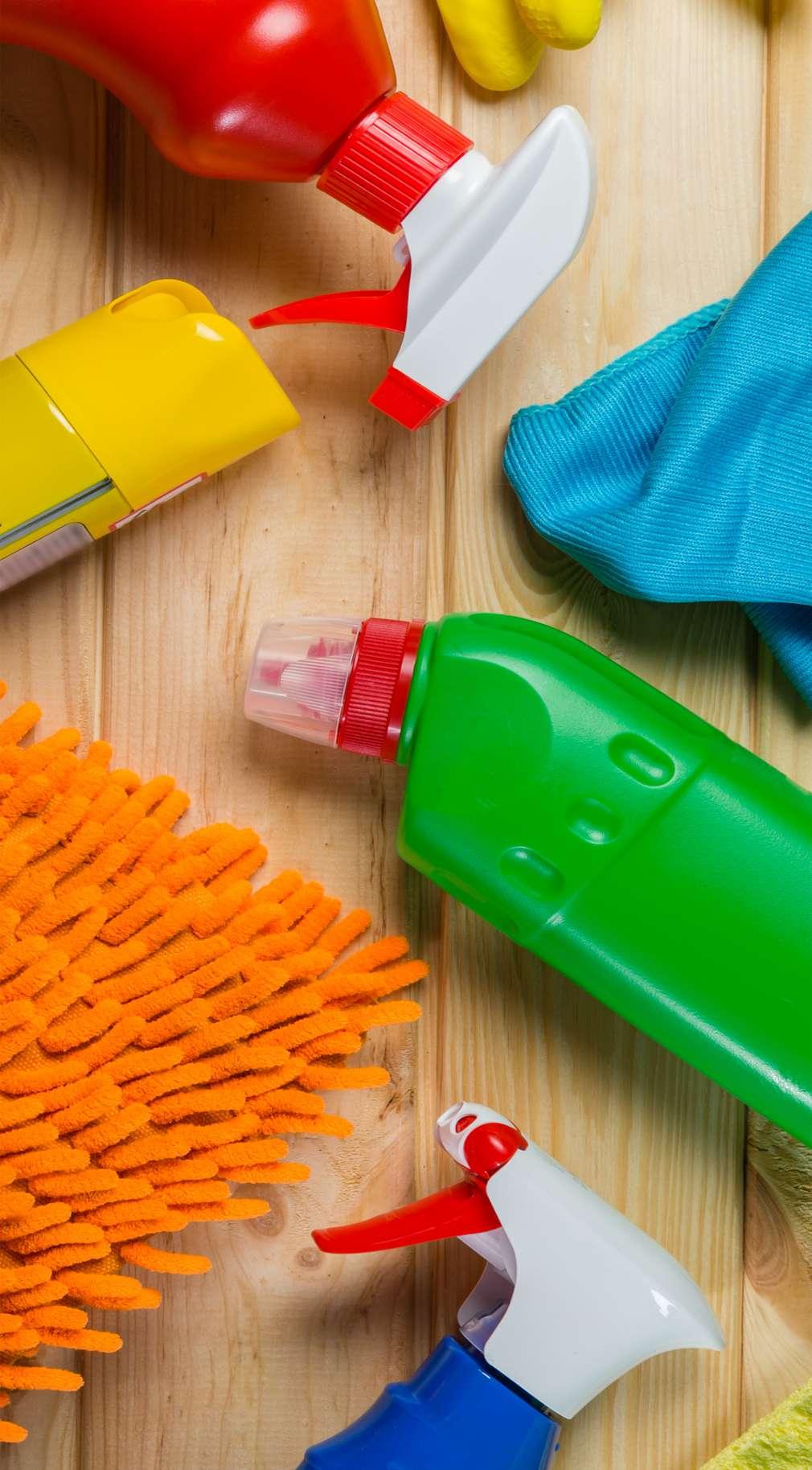 Produse pentru curățenie, detergenți