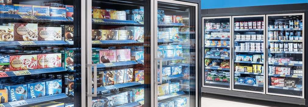 Uși frigorifice într-un magazin Kaufland
