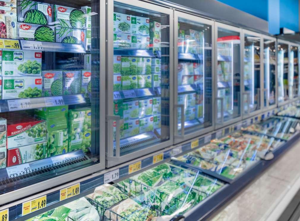 Mobilier frigorific într-un magazin Kaufland