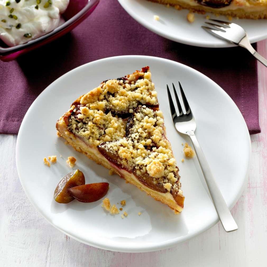 Zobrazit Švestkový koláč s pistáciovou šlehačkou receptů