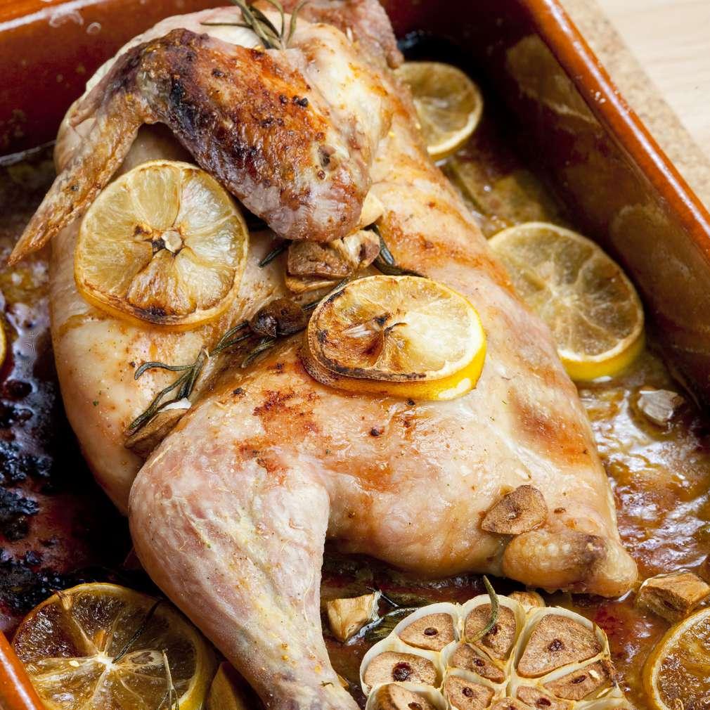 Imaginea rețetei Pui cu lămâie și usturoi