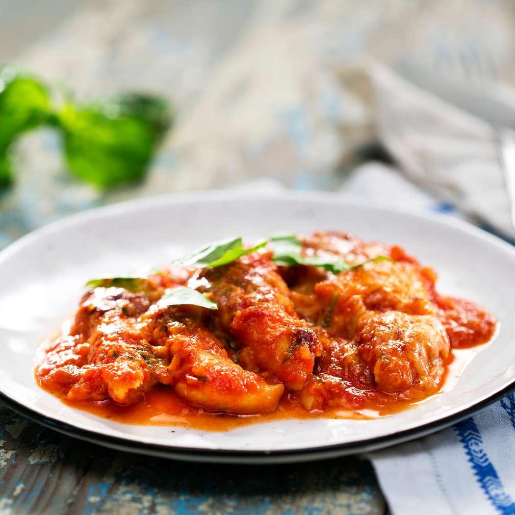 Изобразяване на рецептата Пилешко с доматен сос на фурна