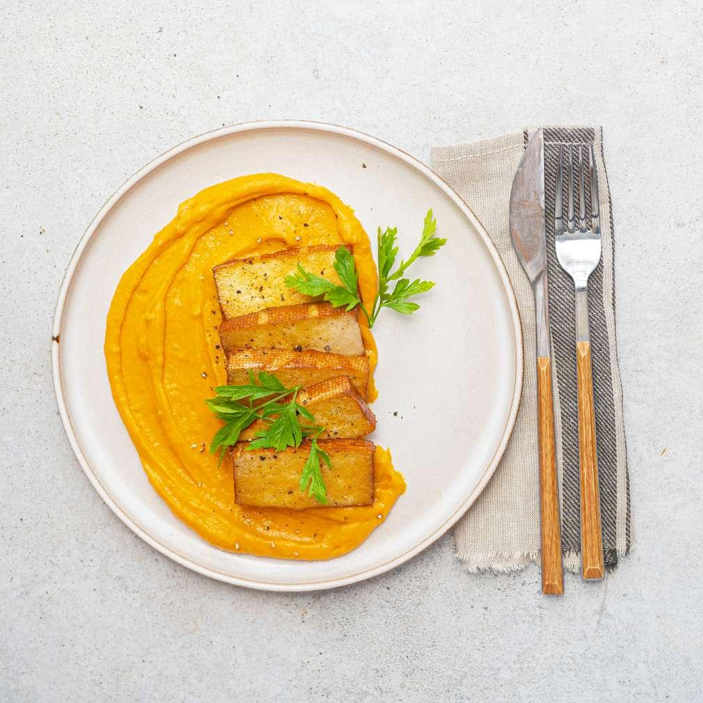 Zobrazit Uzené tofu s batátovým pyré receptů