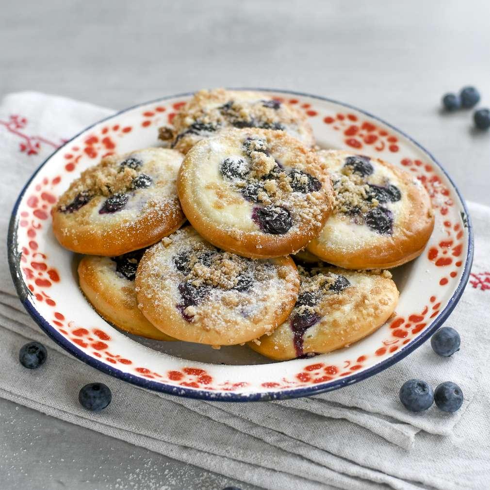 Zobrazenie receptu Kysnuté koláče s čučoriedkami a tvarohom
