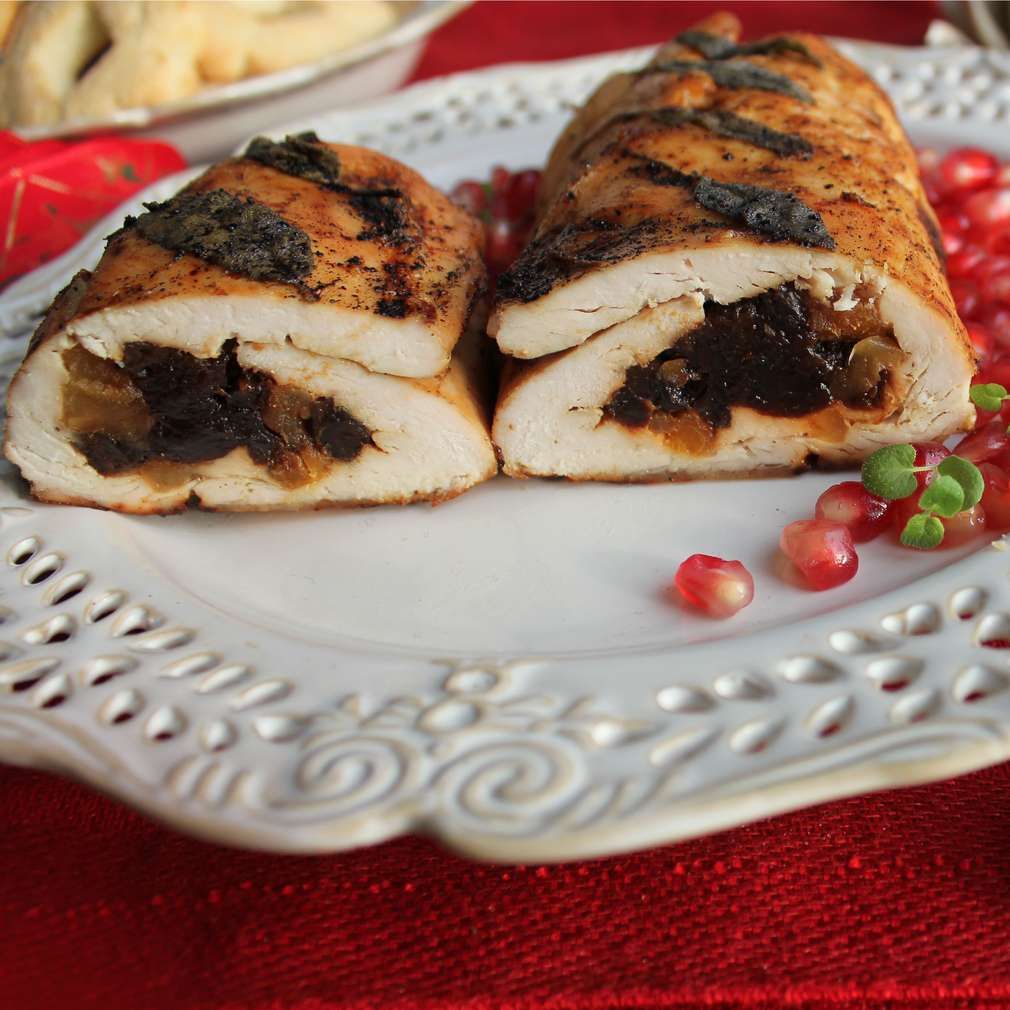Imaginea rețetei Mușchi de porc umplut cu prune uscate