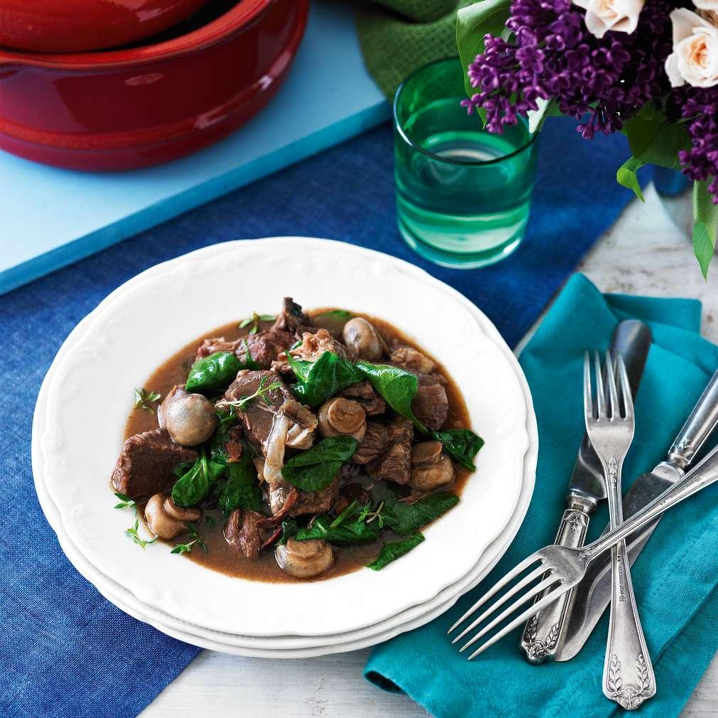 Boeuf bourguignon gătit lent