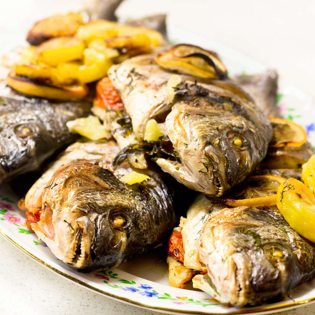 Imaginea rețetei Biban la cuptor cu lămâie și cartofi