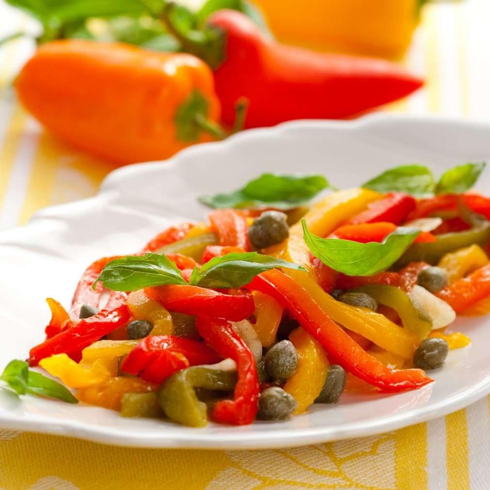 Imaginea rețetei Salată de ardei grași