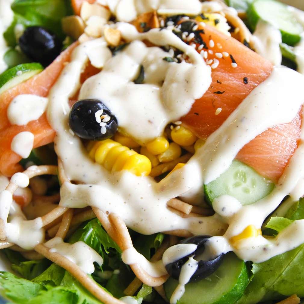 Salată de somon