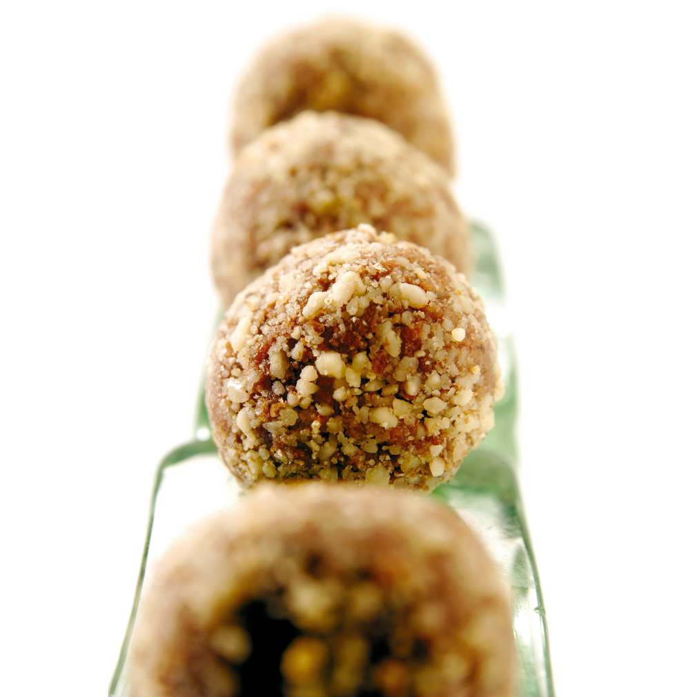 Изобразяване на рецептата Орехови трюфели със стафиди