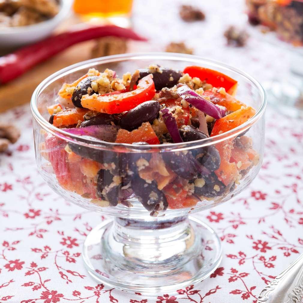Imaginea rețetei Salată de fasole neagră