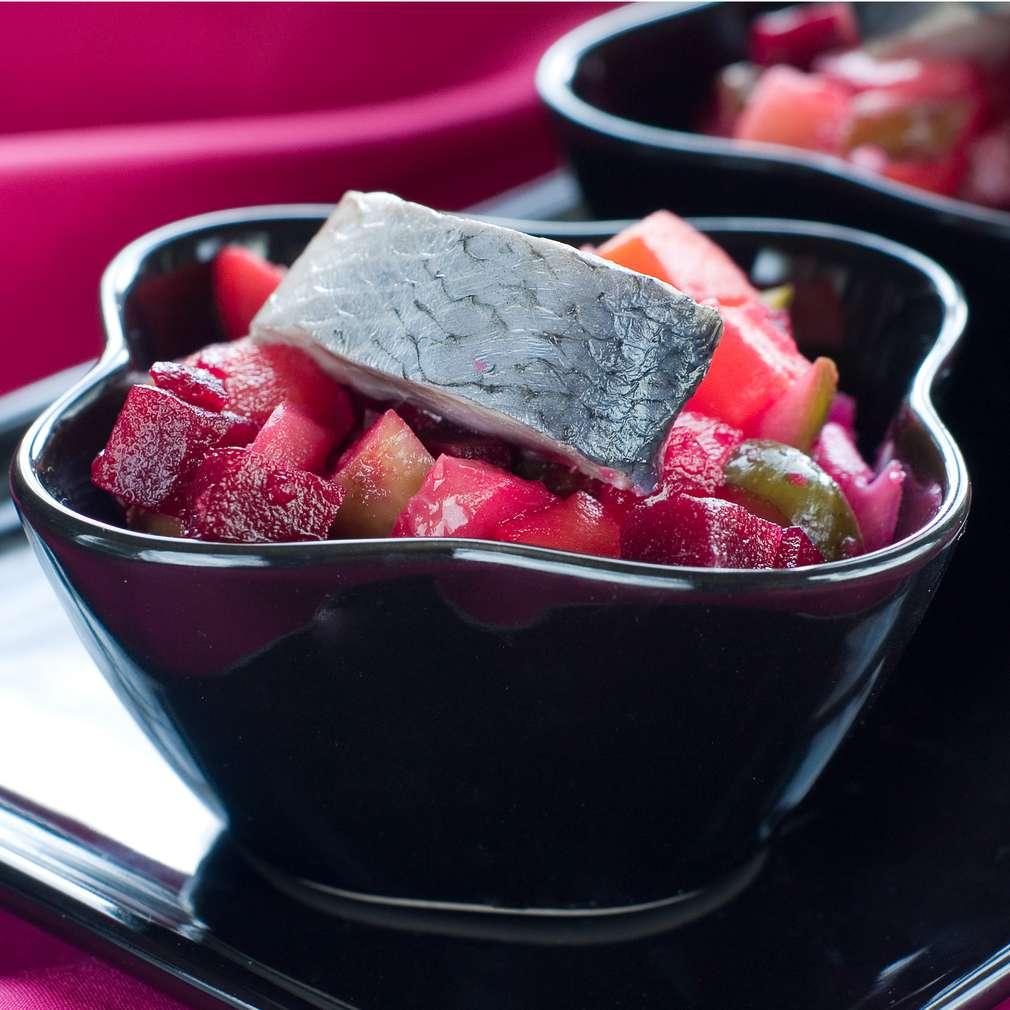 Imaginea rețetei Salată de sfeclă cu hering